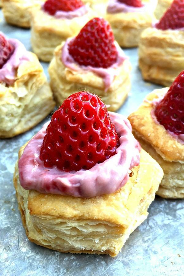 feuilleté apéro amuse-bouche à la crème de fraises