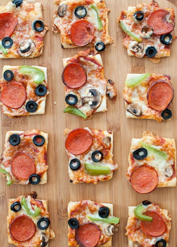 feuilleté apéro mini pizza au salami et aux olives
