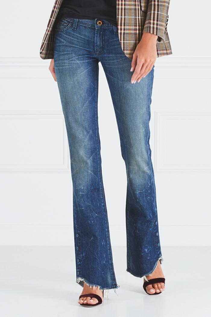 jean flare femme et veste à carreaux