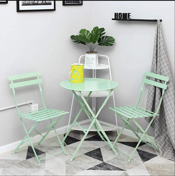 meubles pliables deux tables pliantes