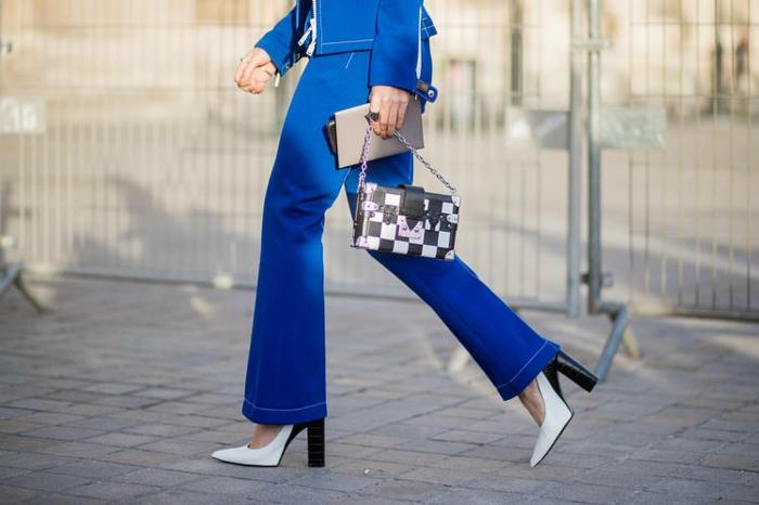 mode femme idée tenue avec jean flare femme