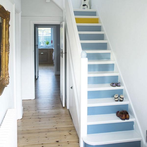 petite entrée maisonescalier peint