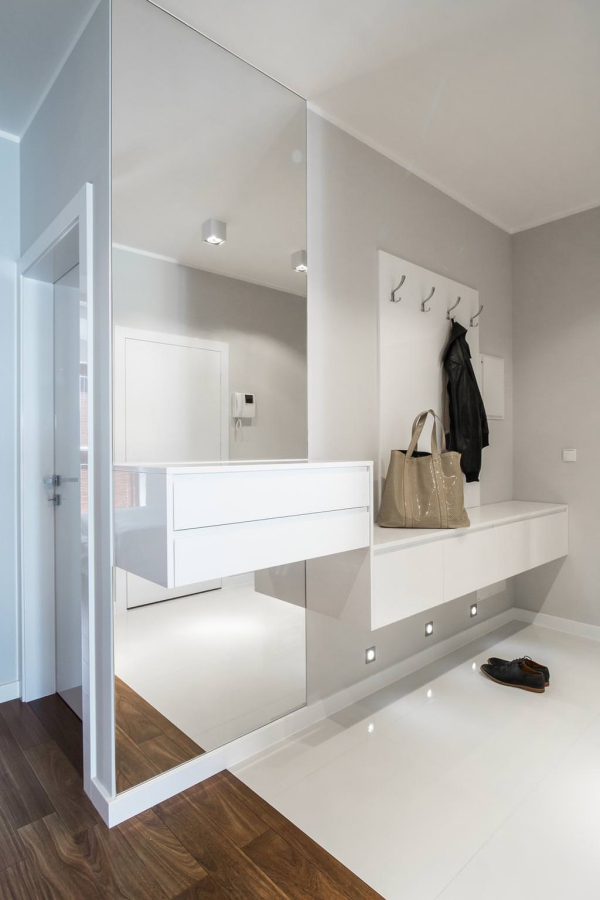 petite entrée maisonespace en blanc