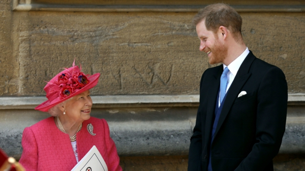 prince harry et sa grand-mère la reine