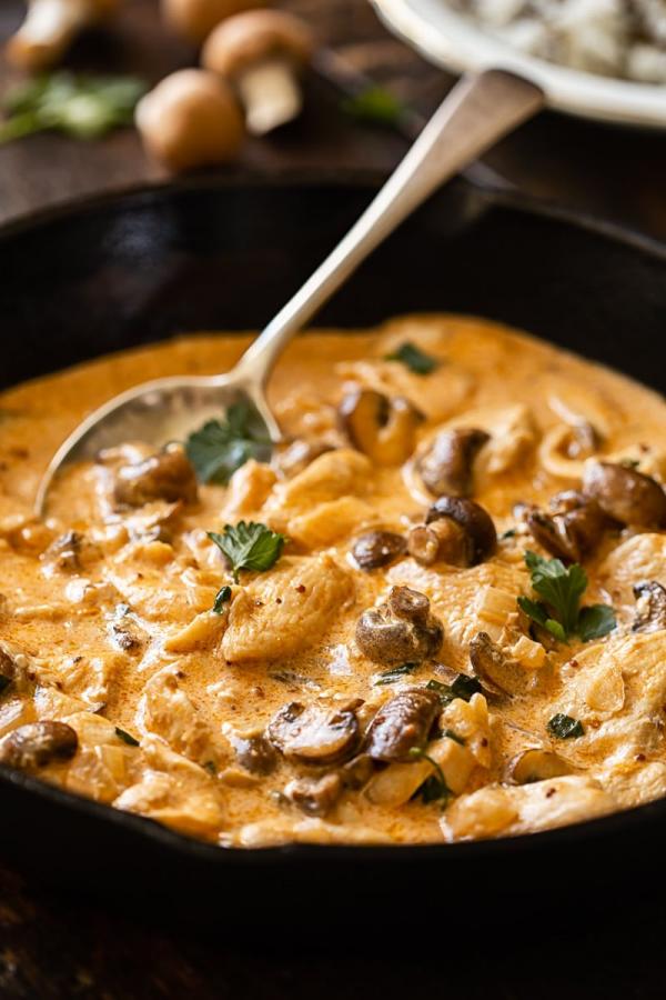 recette avec des champignons poulet stroganoff