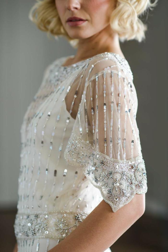 robe ornée de paillettes et cristaux déguisement années 20