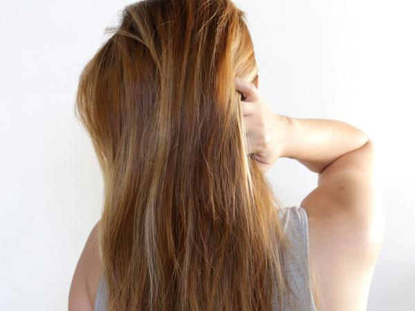 style cheveux droits et raides