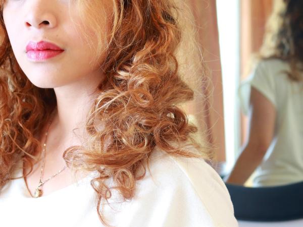 style cheveux sans fer à friser