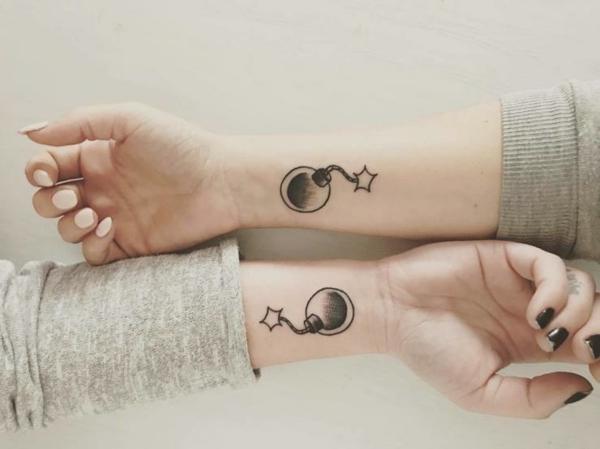 tatouage complémentaire bombe bras meilleures amies