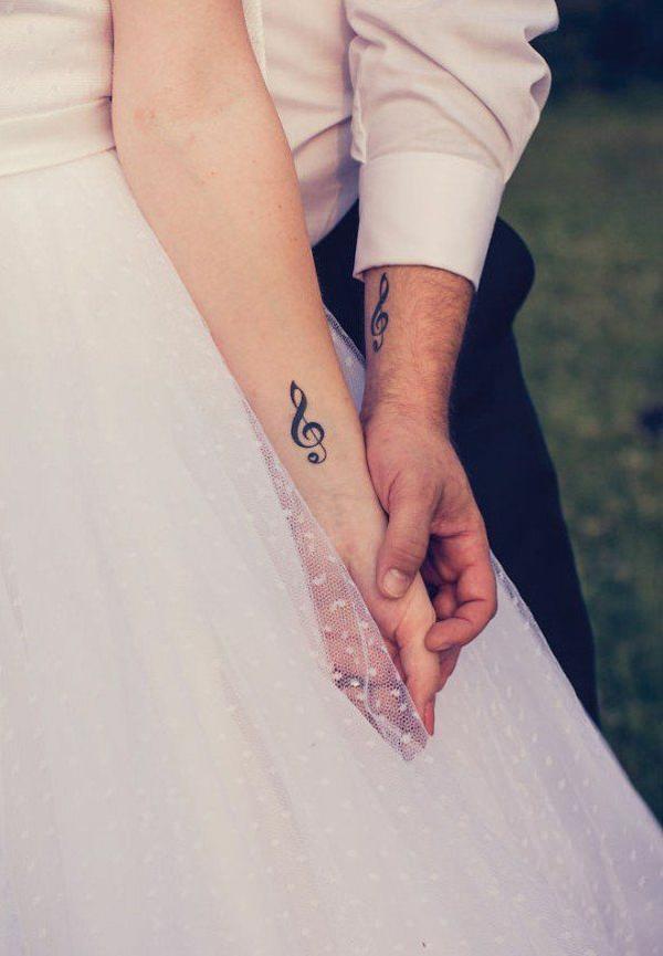 tatouage complémentaire clef de sol pour couple