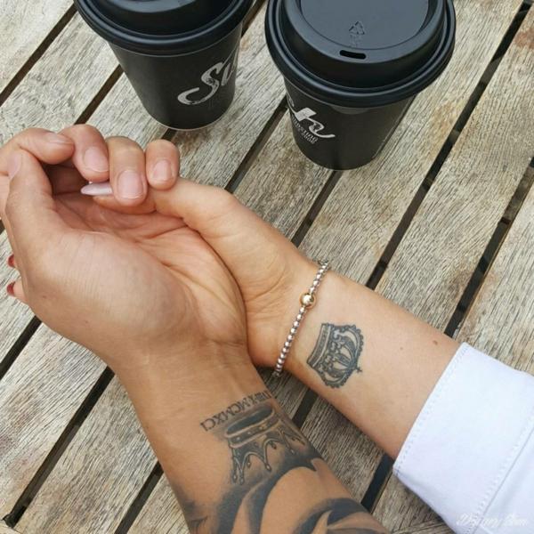 tatouage complémentaire couronne pour couple