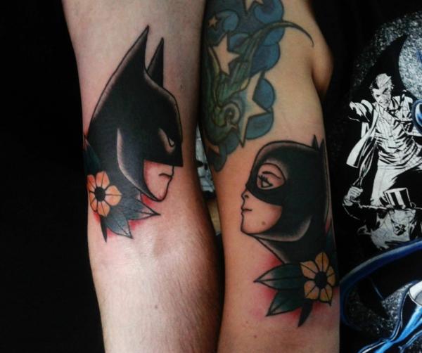 tatouage complémentaire pour couple batman sur le bras