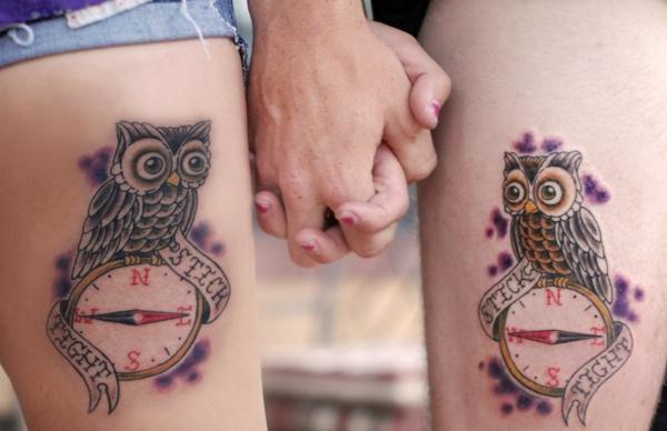 tatouage complémentaire pour couple sur la cuisse