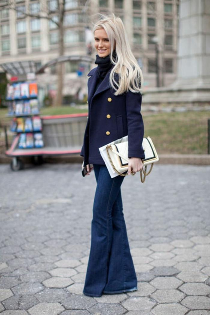 tenue bureau jean flare femme