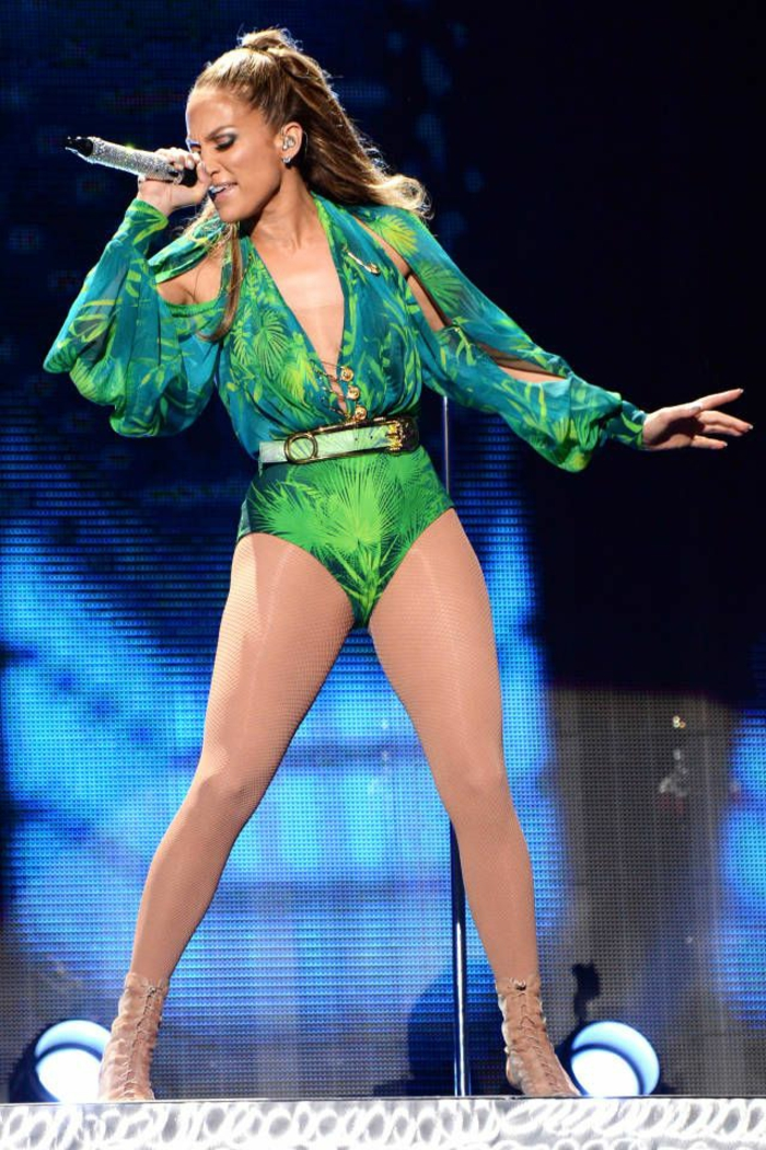 tenue inspirée de la robe verte verace j lo en 2014