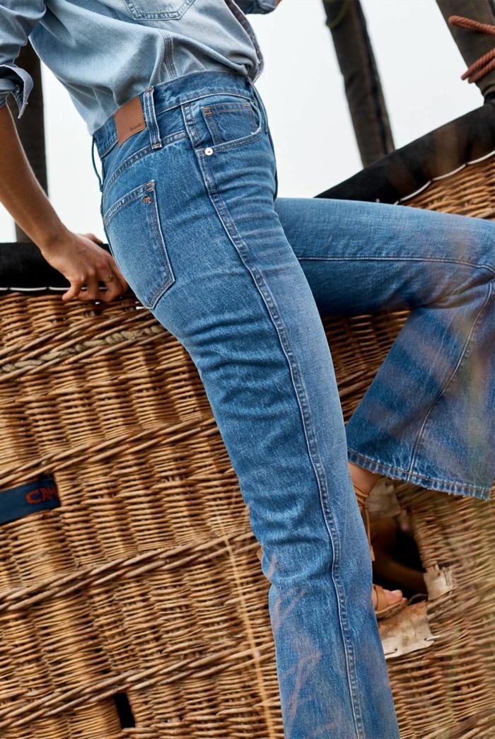total look denim avec jean flare femme et chemise