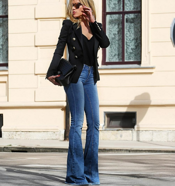 veste en noir et jean flare femme