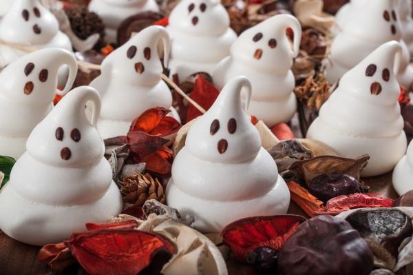 Idée recette Halloween meringues fantômes