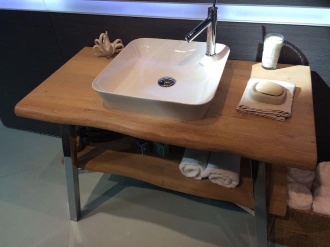 aménagement de salle de bain évier en porcelaine