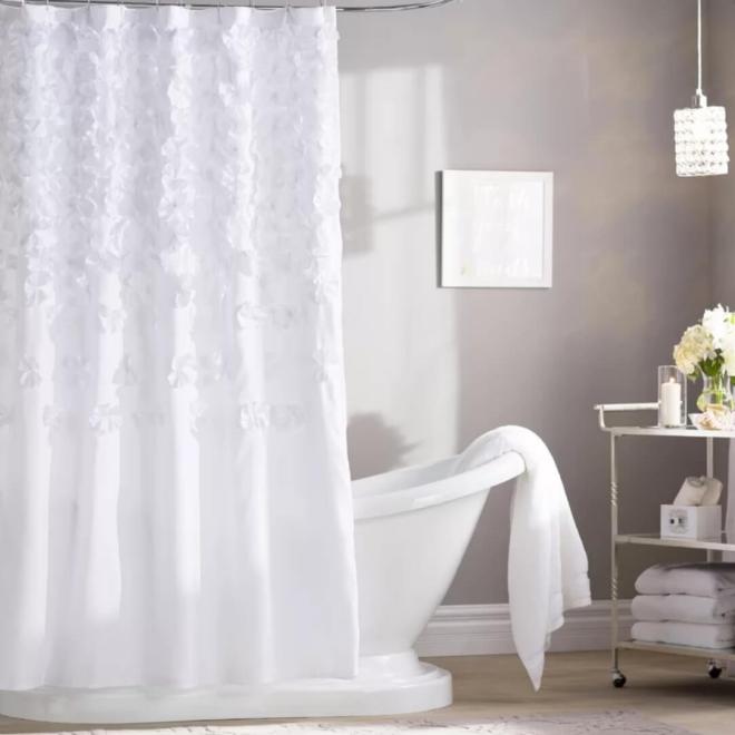 aménagement de salle de bain table à roulettes