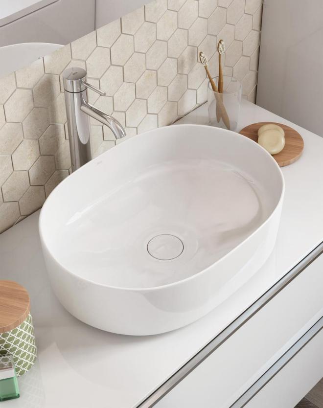 aménagement de salle de bain vasque en forme ovale