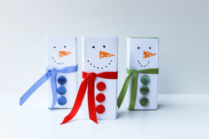 boîte à jus bonhomme de neige en chaussette diy