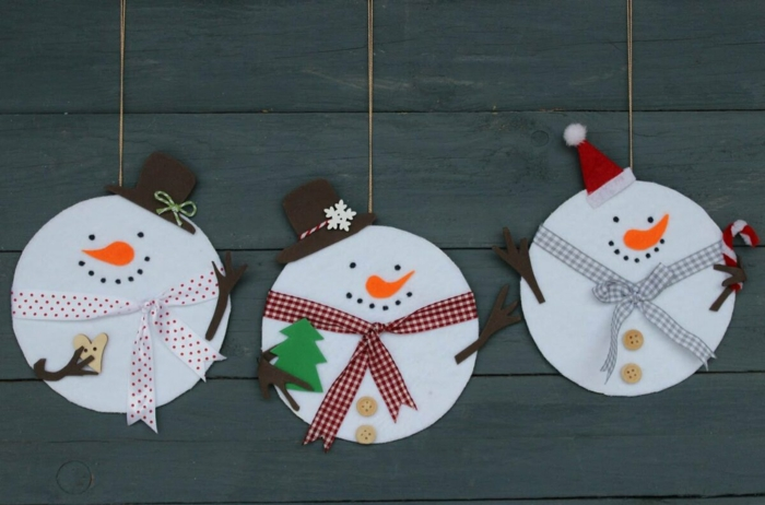 bonhomme de neige en chaussette ou en papier