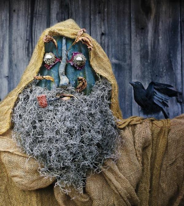 bricolage halloween avec de la mousse espagnole et de la toile de jute