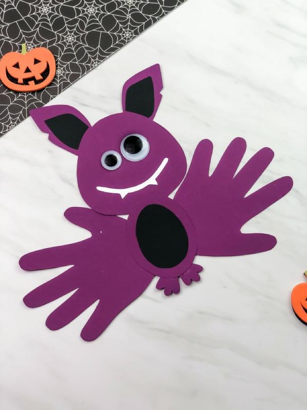 bricolage halloween avec du papier coloré