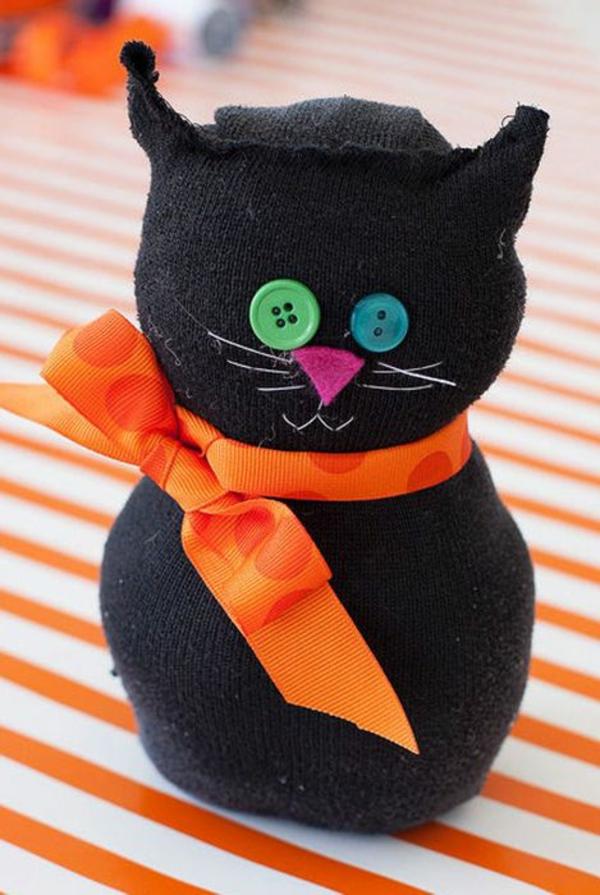 bricolage halloween chat noir en chaussette