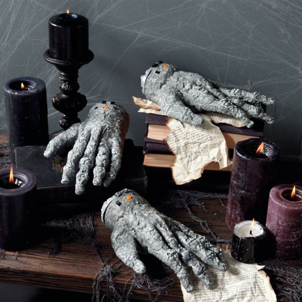 bricolage halloween mains en ciment