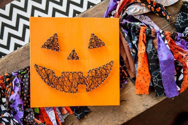 bricolage halloween tableau fil tendu et clous