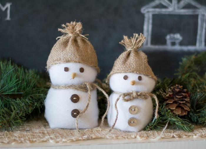 bricolage noël bonhomme de neige en chaussette