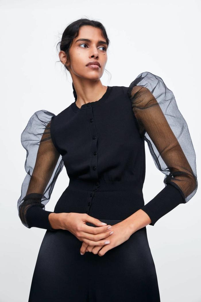 chemise noire à manches bouffantes