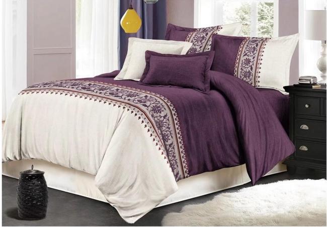 couvre-lit satin blanc et lilas