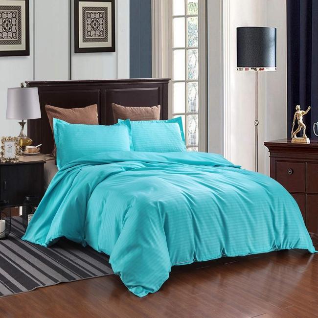 couvre-lit satin bleu électrique