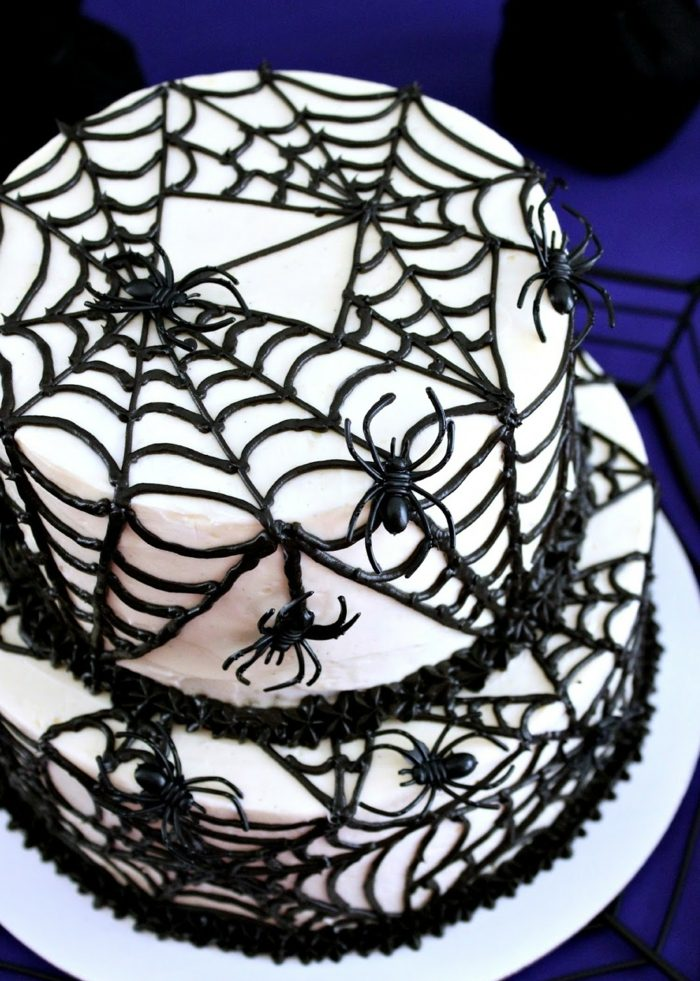 déco araignées gâteau halloween facile à faire