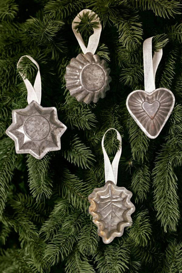 idée déco Noël à fabriquer soi-même ornements de sapin moules à biscuits