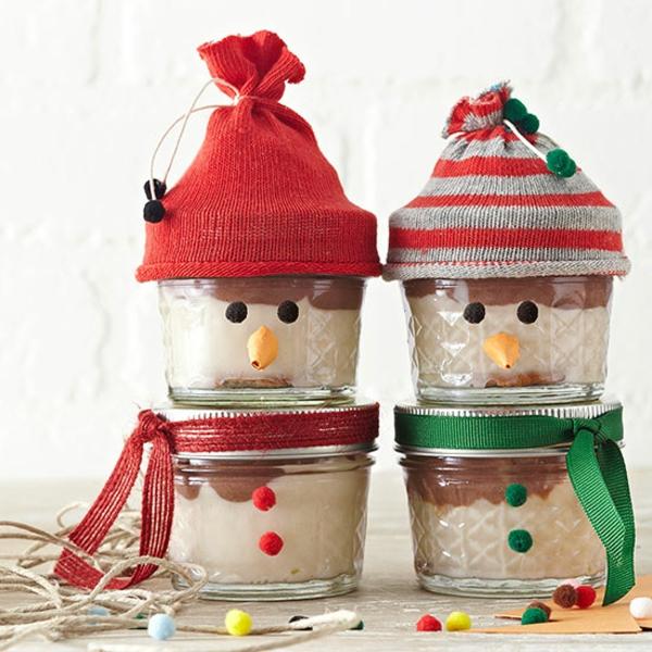 idée de décoration de Noël à fabriquer soi-même bonhommes de neige faits de bocaux en verre