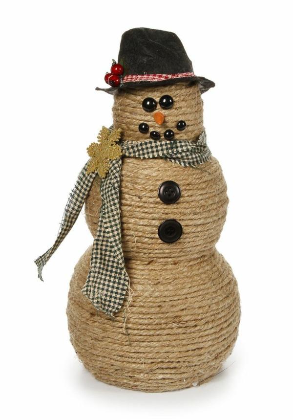 idée de décoration de Noël à fabriquer soi-même bonhomme de neige fait de balles en mousse et ficelle