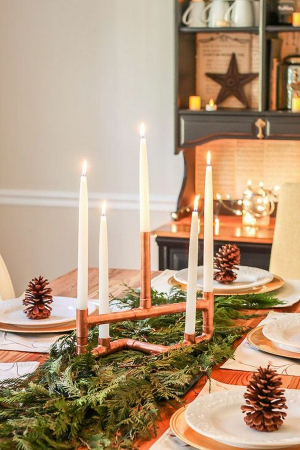 idée de décoration de Noël à fabriquer soi-même chandelier fait de tuyaux métalliques