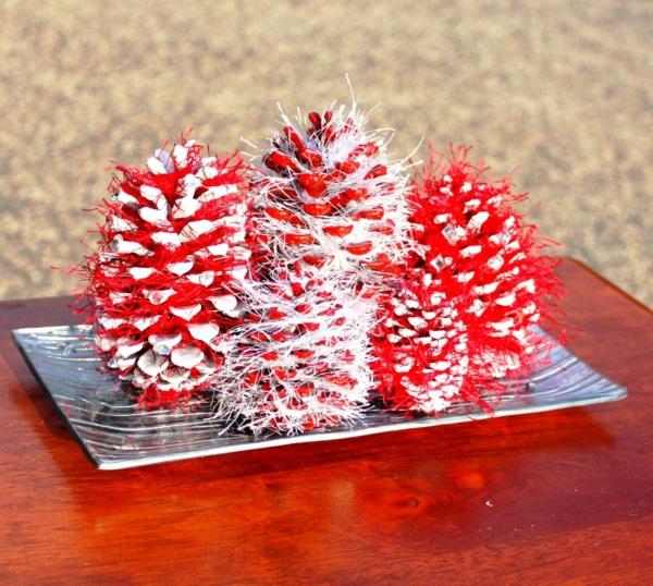 idée décoration Noël à fabriquer soi-même à partir de pommes de pin