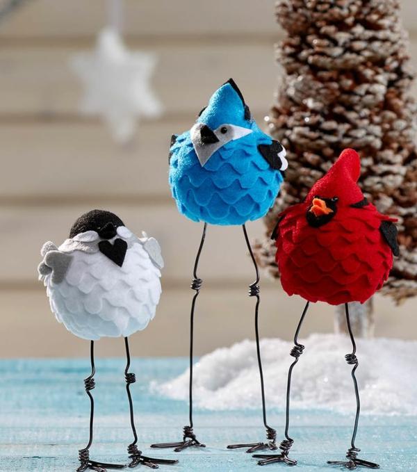 idée déco Noël à fabriquer soi-même oiseaux réalisés à partir de textile et fil métallique