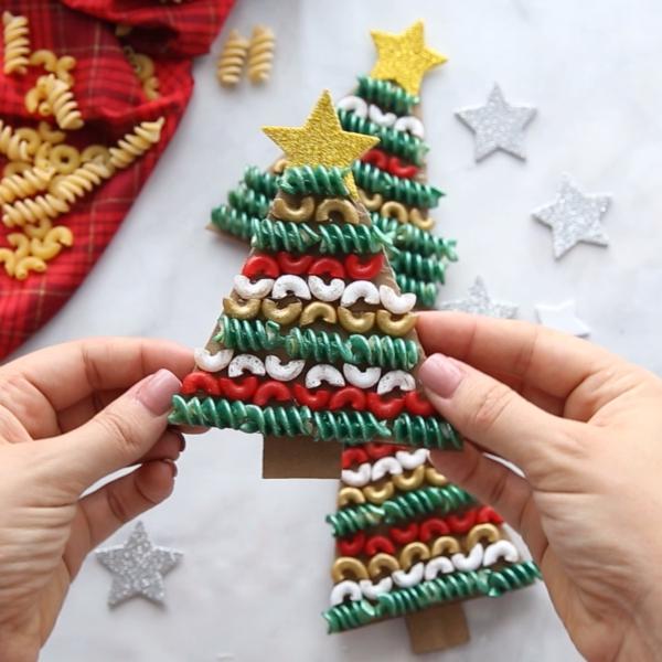 idée déco Noël à fabriquer soi-même à partir de pâtes alimentaires