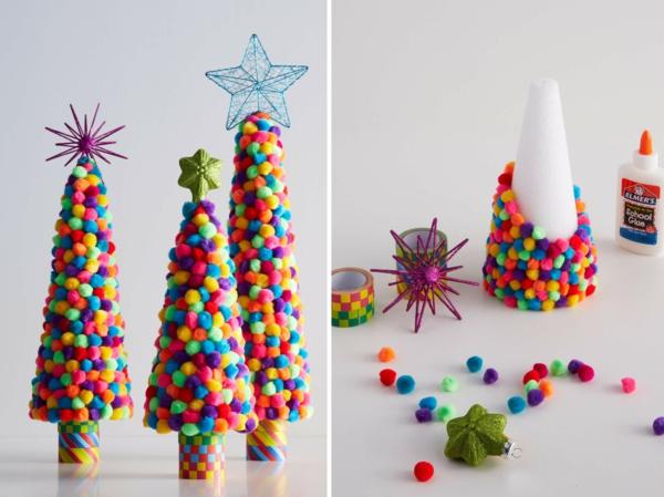 idée déco Noël à fabriquer soi-même sapins de noël faits de cônes en mousse et pompons