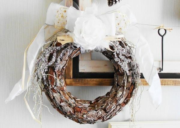 idée de décoration noël tendance couronne d'écorce d'arbre diy