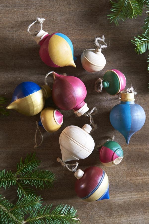 idée de décoration noël tendance jouets de sapin en bois style vintage