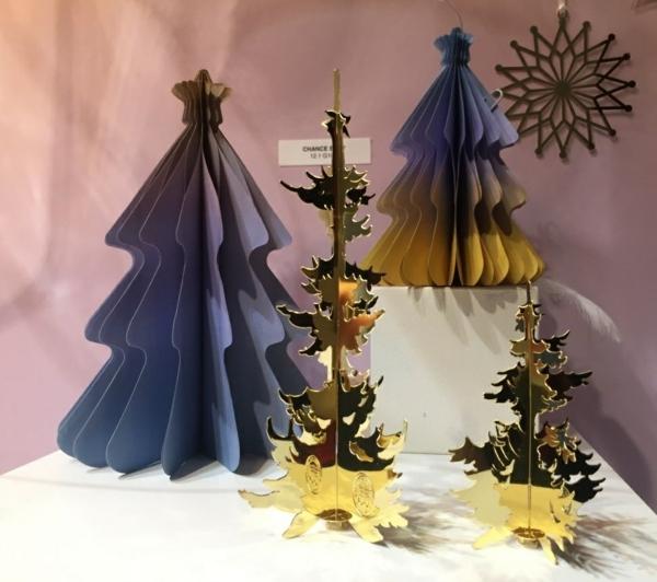 idée de décoration noël tendance sapins de noël en carton