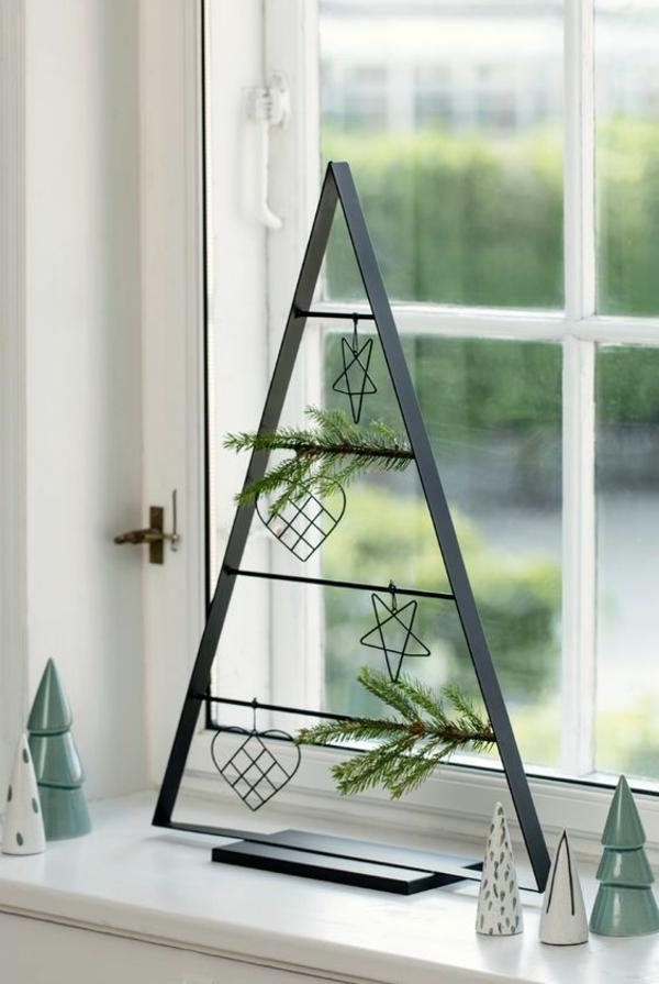 idée de décoration noël en métal pour fenêtre
