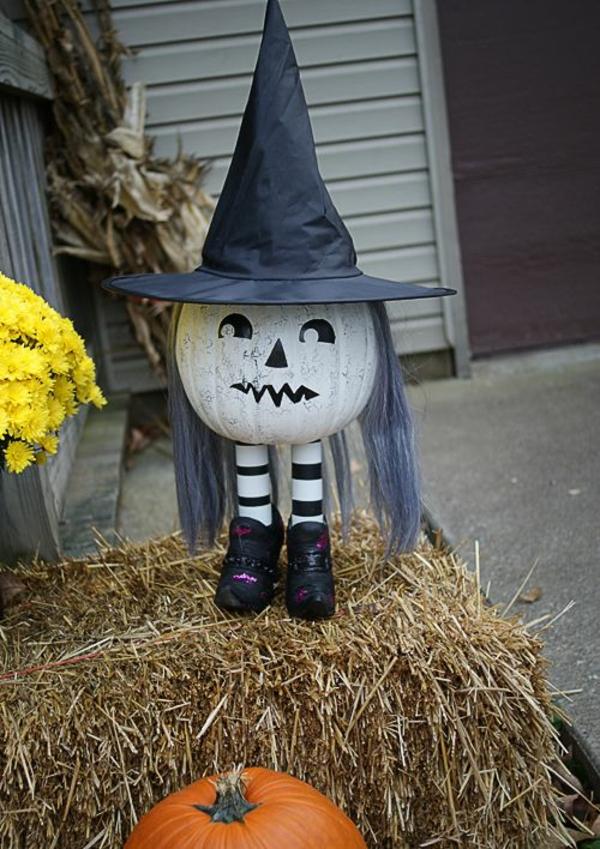 idée de décoration halloween extérieur fait maison sorcière faire à partir d'une citrouille